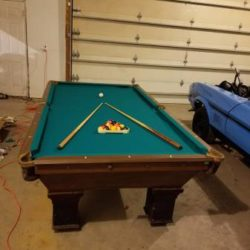 Oversized 9ft Pool Table