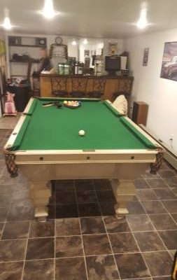 8.5ft Pool Table